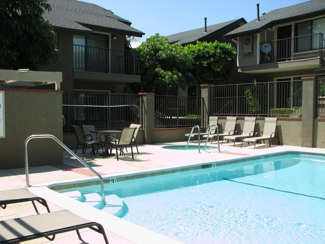 Apartment for Rent in Canoga Park