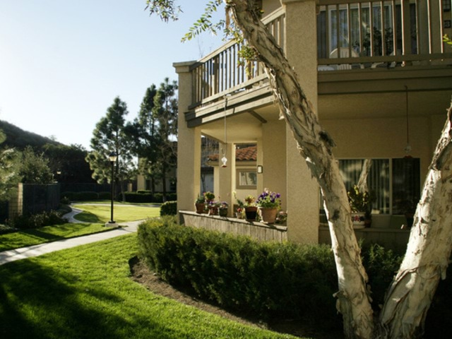 Image of apartment in Thousand Oaks, CA located at 2338 Fountain Crest Lane