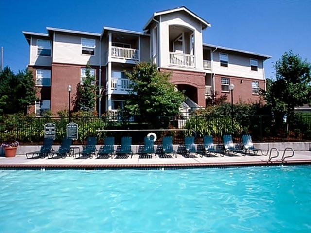 Alara Harbour Pointe Apartments
