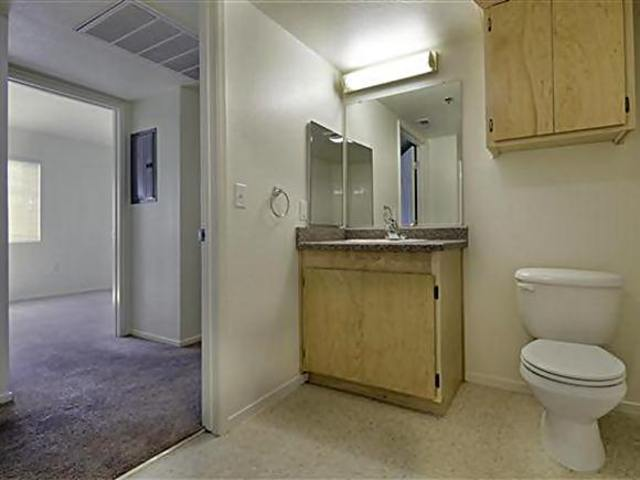 Apartment for Rent in Tulare