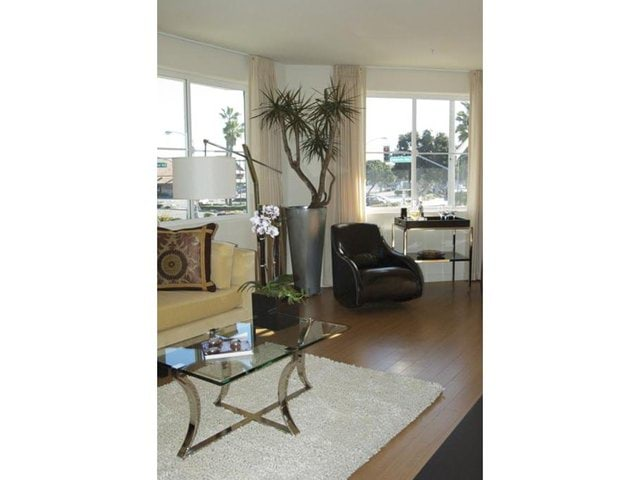 Apartment for Rent in Marina del Rey
