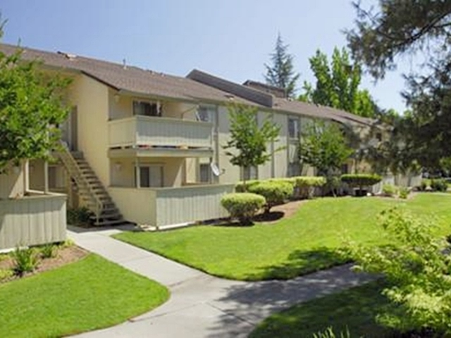 Image of apartment in Sacramento, CA located at 7336 Greenhaven Drive