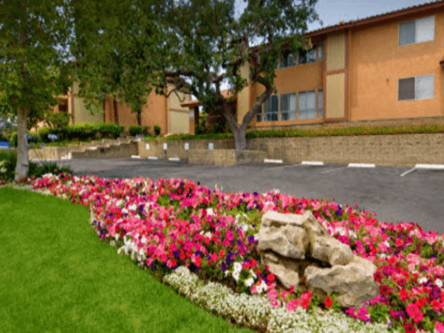 Image of apartment in Thousand Oaks, CA located at 491 W Gainsborough Rd
