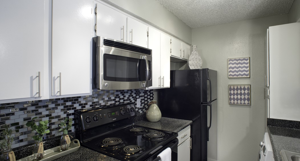 Kitchen at Aspen Creek Apartments in Far North Dallas