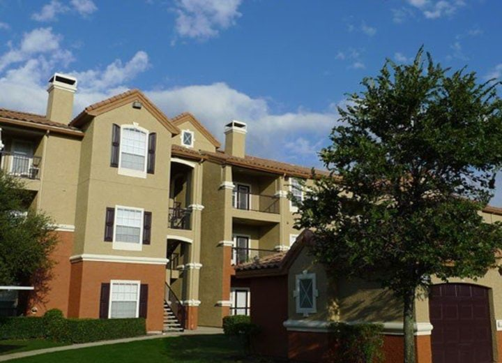 Lansbrook At Twin Creeks Apartment Homes Allen Tx Apartments For Rent