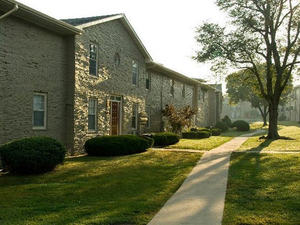 Santa Fe Apartments | Kansas City, Missouri, 64131  Small Building, MyNewPlace.com