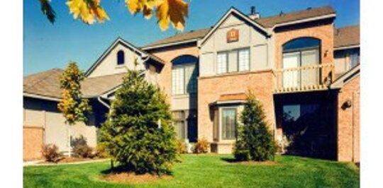 River Oaks West Apartments Novi Mi Apartments For Rent