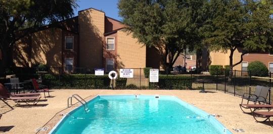 Windsor village apartments denton tx apartments for rent - Windsor village swimming pool houston tx ...