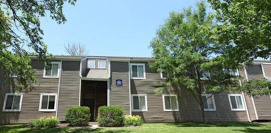 The Retreat Northwest - Indianapolis, IN Apartments for Rent