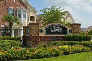 Contact Villas at West Road