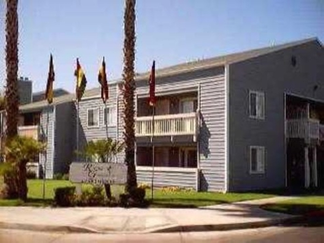 Image of apartment in Hemet, CA located at 1025 S Gilbert St