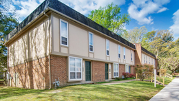 Cloverleaf Lake Townhouse Apartments