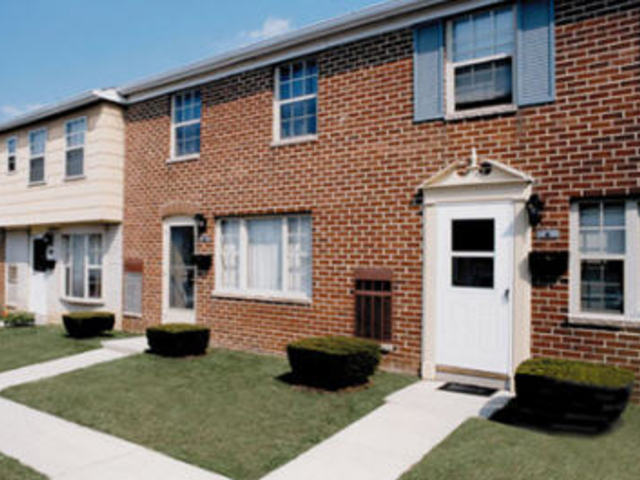 Yorktowne Townhomes Apartments