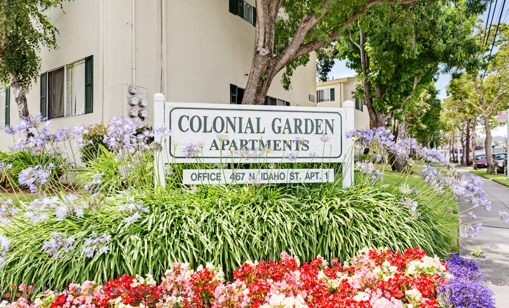 Colonial Garden Apartments