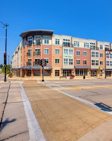 Apartments for Rent in Racine, WI | The Harbor at State and