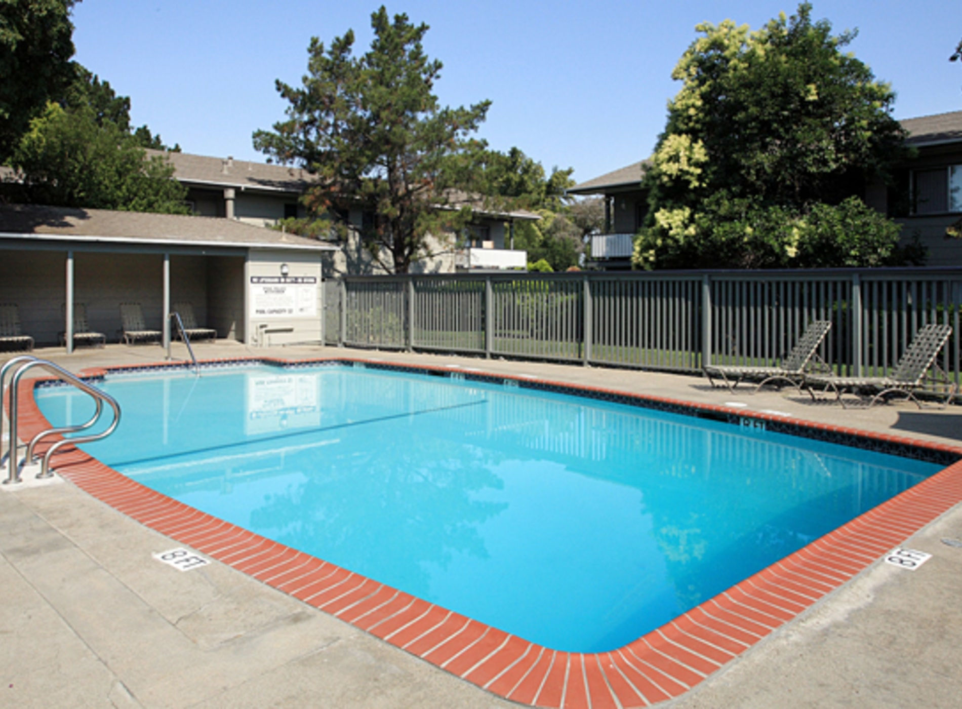 Amenities at Colonial Gardens Apartments Fremont