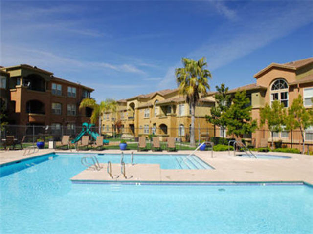 Image of apartment in Sacramento, CA located at 3351 Duckhorn Dr