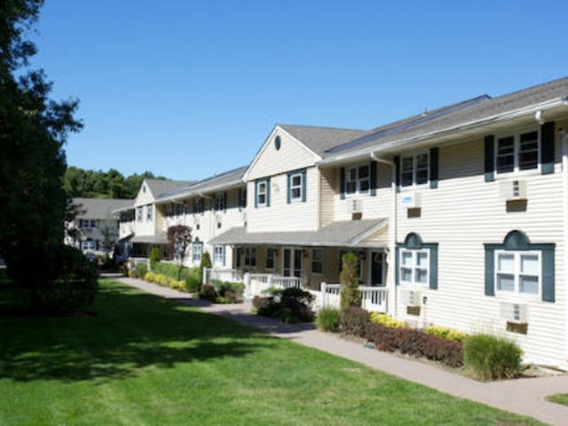 Fairfield Country Club Gardens Apartments