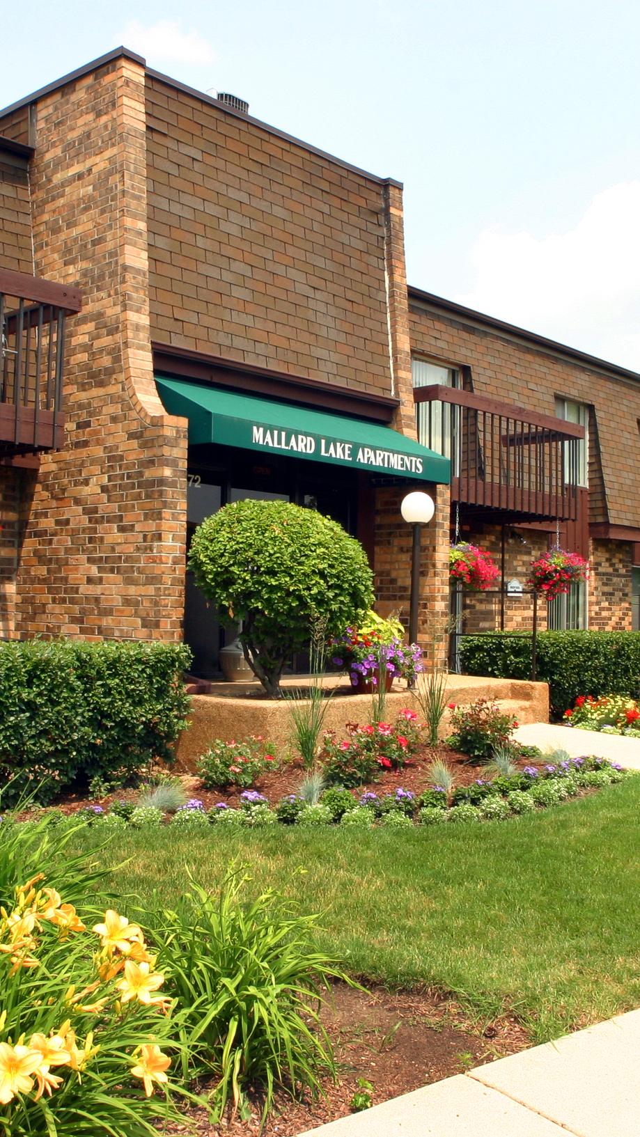 Mallard Lake Apartments in Wheeling, IL