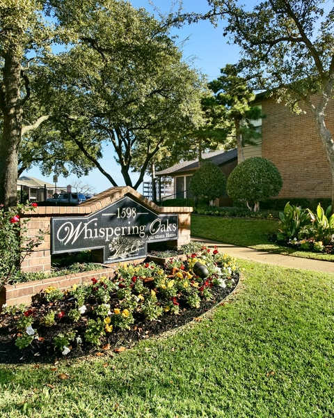 Whispering Oaks Apartments in North Richland Hills, TX
