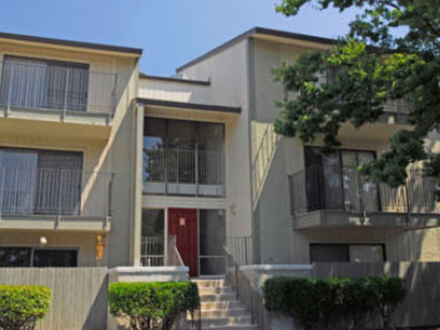 Image of apartment in Sacramento, CA located at 6808 Wyndham Dr