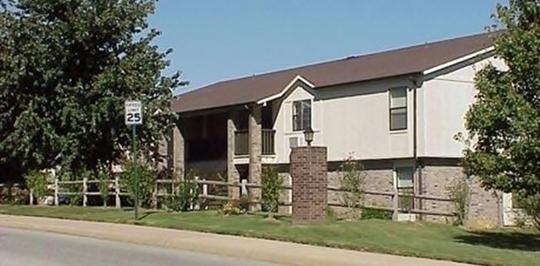 East Oaks Oakshire Apartments Fayetteville Ar