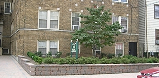 68 70 Park Ave Bloomfield Nj Apartments For Rent