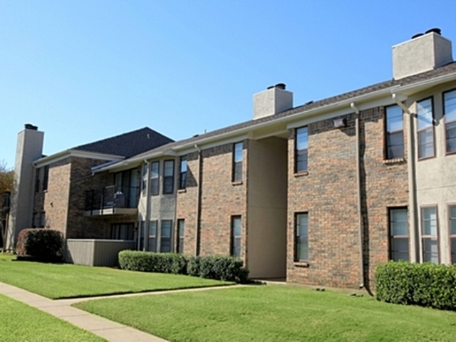 Country Square Apartments Carrollton