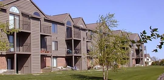 Oak shores apartments oak creek wi apartments for rent for 3 bedroom houses for rent in oak creek wi