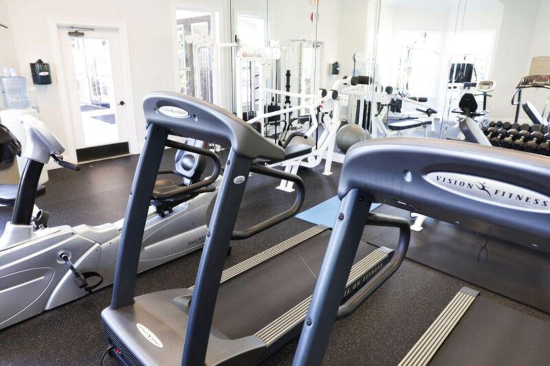 apartment rental amenities in houston tx villas at cypresswood