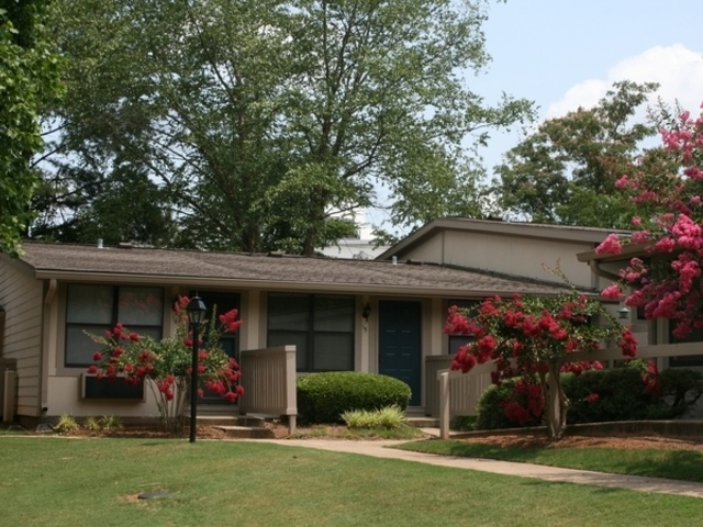 8324 Gleason Dr Knoxville TN Rental House