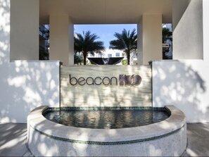 Contact Beacon 430