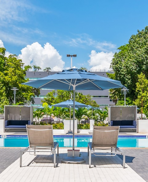 Pool-Bayshore Grove Apartments