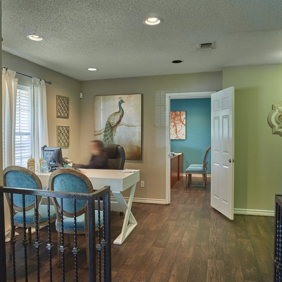 Villas At Monterey Photo Gallery | Dallas, TX Apartment Pictures