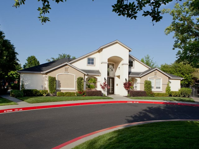 Image of apartment in Sacramento, CA located at 4400 Truxel Rd
