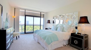 Luxury Studio 3 Bedroom Apartments At The Parklane