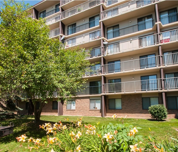 Apartments for Rent in Lansing, MI | Cedar Place - Home