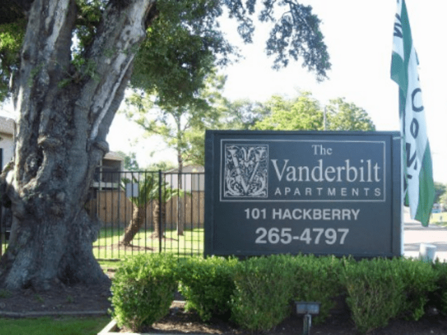 101 Hackberry Dr. Clute TX House for Rent
