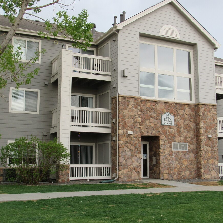Village At North Hills Apartments