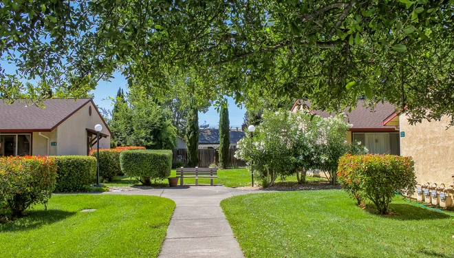 Apartments for Rent in Cloverdale, CA | Cloverdale Garden - 8416 - Home