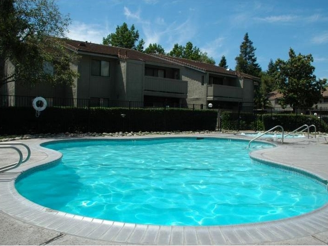 Image of apartment in Sacramento, CA located at 8550 Florin Road