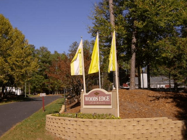 Image of apartment in Durham, NC located at 4655 Hope Valley Rd