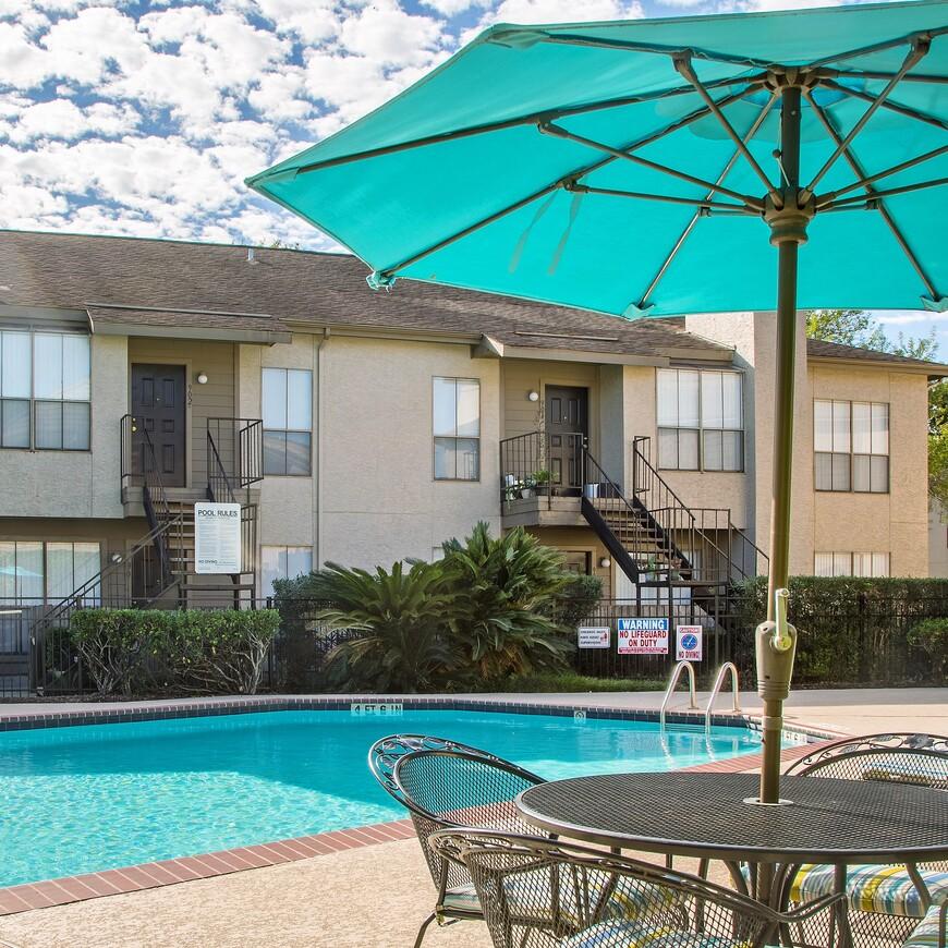 Wilshire Park Apartments | Apartments in Houston