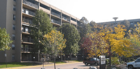 Knollwood Place Apartments Mn
