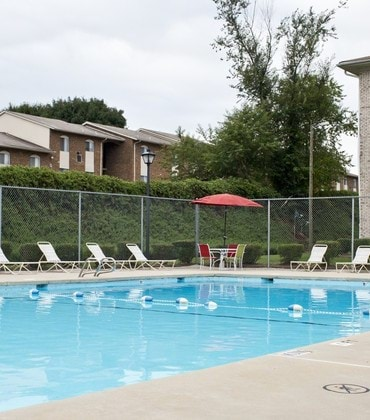Chesterfield Apartments Amenities - Pool