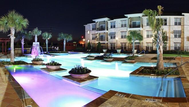 Luxury Living at Pine Prairie Apartments in Lewisville, TX