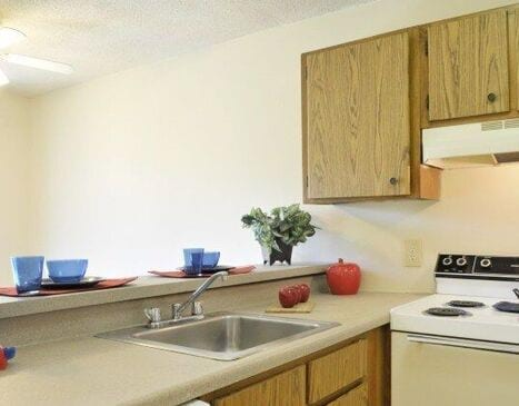 Whispering Pines Apartments Floor Plans - Kitchen