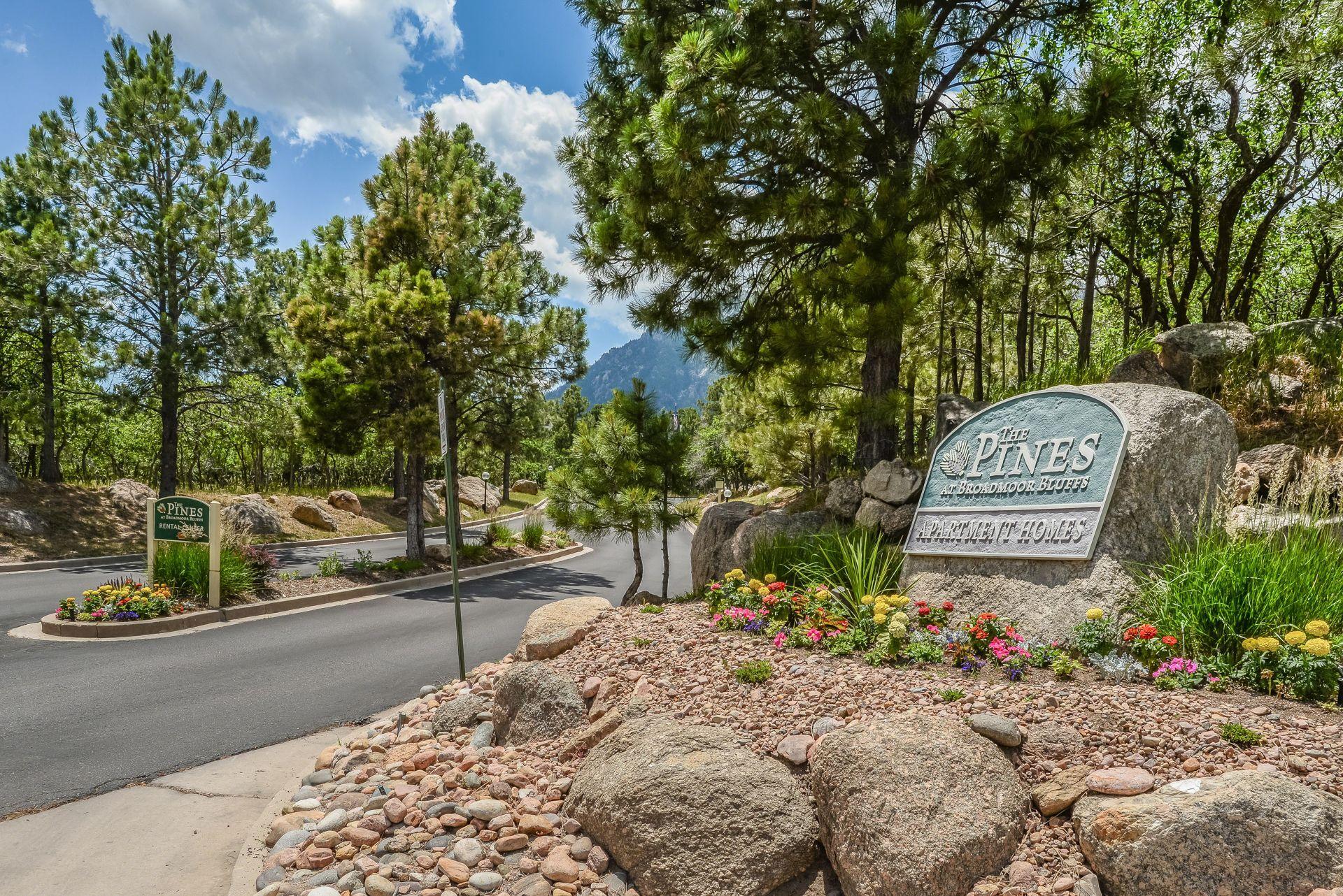 Pines At Broadmoor Bluffs