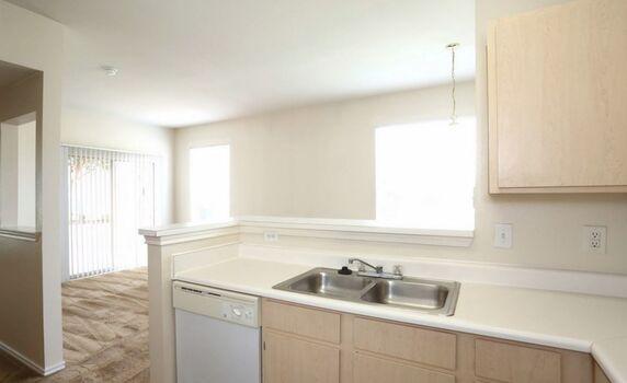 Madison Trail Apartments Floor Plans - Kitchen