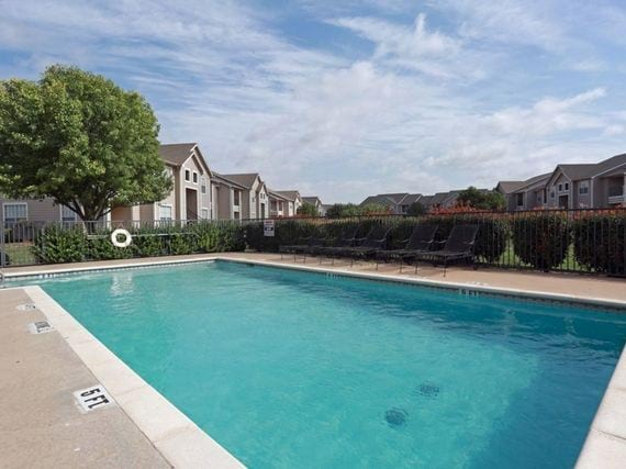 Madison Trail Apartments Gallery - Pool